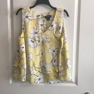 🌸 2/$12 Liz Claiborne blouse